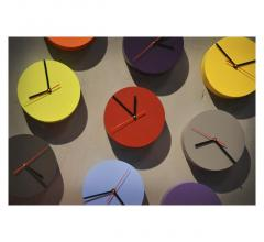 Pivot colorful wall clock